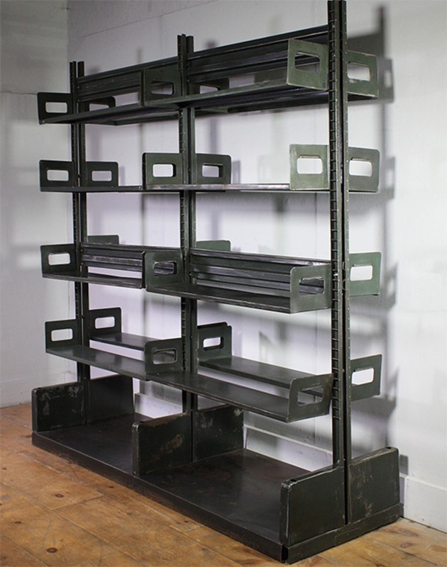 Metal Shelving-turner--cox-img-tc-shelf-082514-main-637254915001484833.jpg