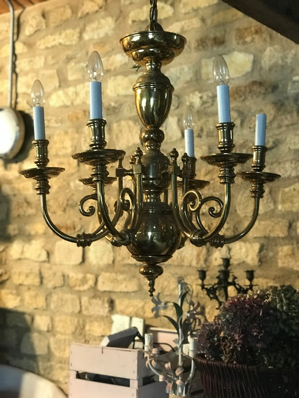 Brass chandelier-west-barn-country-interiors--4F8EAC9C-5B74-470F-9FCB-F7D3312618F9-main-636777800250952347.jpeg
