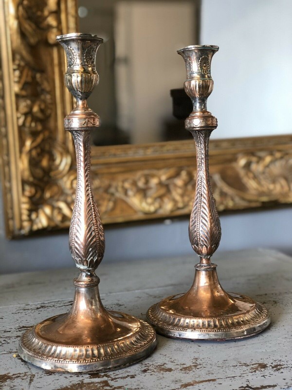 A pair of old sheffield plate candlesticks -windmill-hill-antiques-cs1-main-637107166703686306.jpg