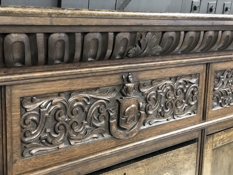 Antique oak carved sideboard Sutcliffe crest-windmill-hill-antiques-s-l1600-main-636822265997385574.jpg